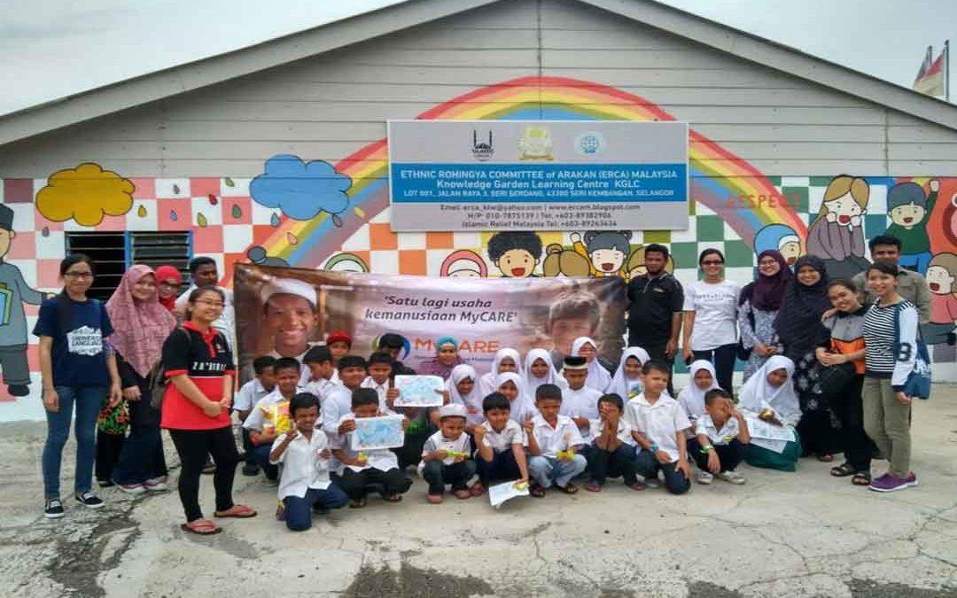 Bersama anak-anak Rohingya