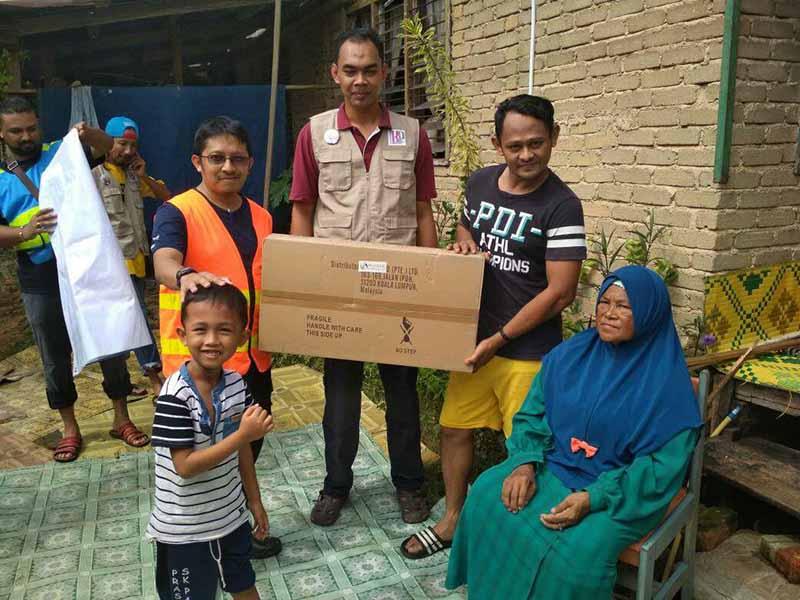 Bantuan & misi sukarelawan banjir Kuantan
