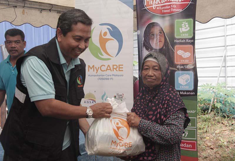 Penyaluran pertama kempen MyRamadan kepada PPR Kota Damansara