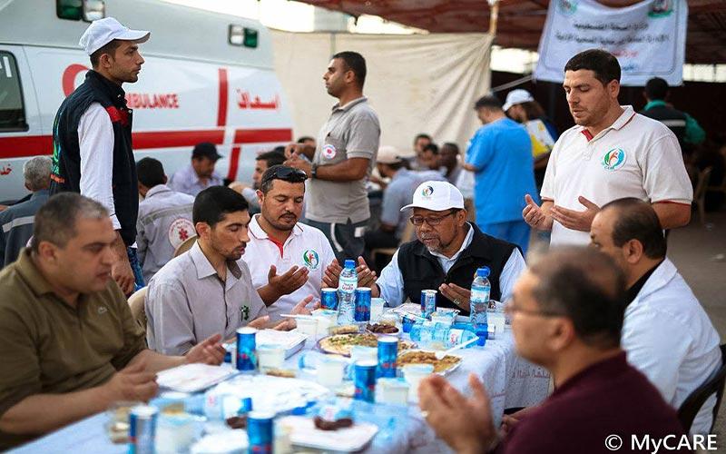 Iftar bersama pasukan perubatan di sempadan Gaza