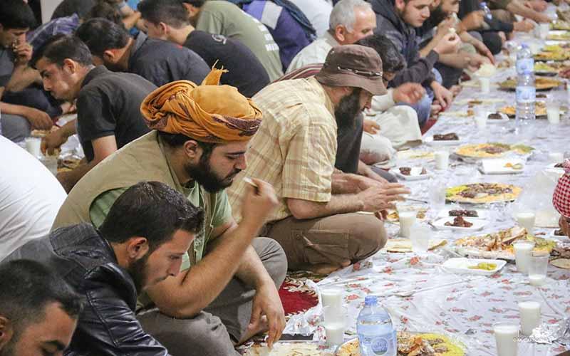 Iftar Perdana untuk 250 pelarian Syria