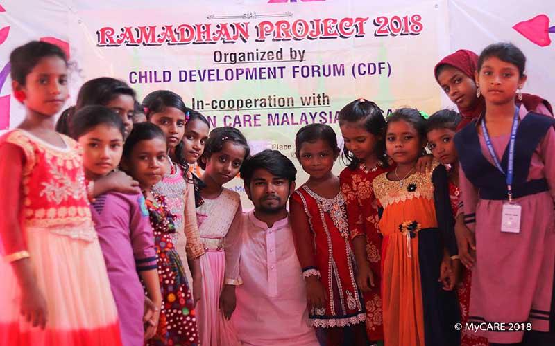 Iftar Perdana untuk asnaf di Bangladesh
