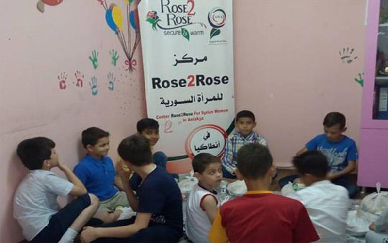 Tajaan iftar di Pusat Komunti Wanita Rose2Rose di Antakya, Turki