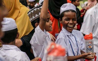 EduTrip Anak Yatim Rohingya ke Aquaria