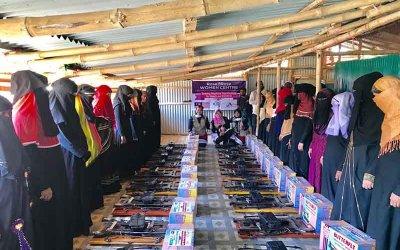 Wanita Rohingya di Cox's Bazar terima bantuan mesin jahit