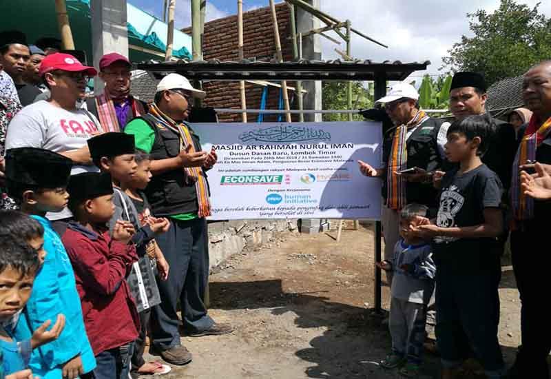 Perasmian masjid di Lombok