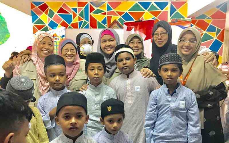 Bersama kanak-kanak Rohingya Madrasah Rabbaneeyah