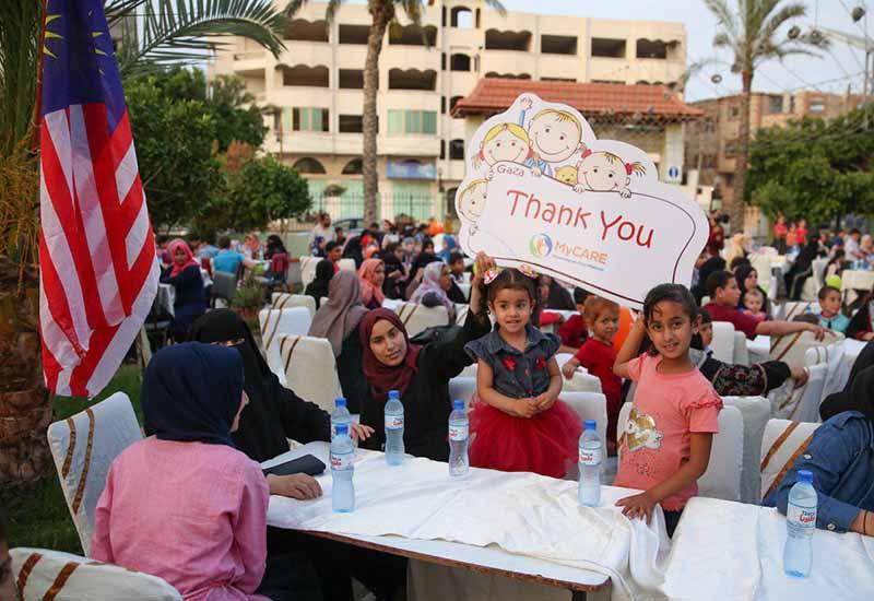 Iftar Perdana anak yatim Gaza